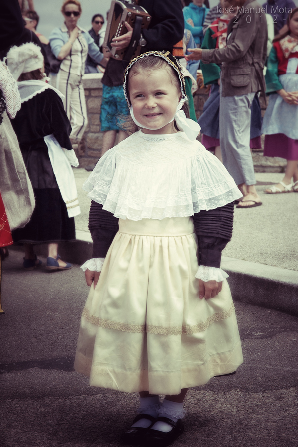 Little girl in Bretonne fair